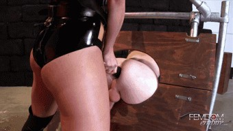 Chanel Preston – Strap-on Glory Hole