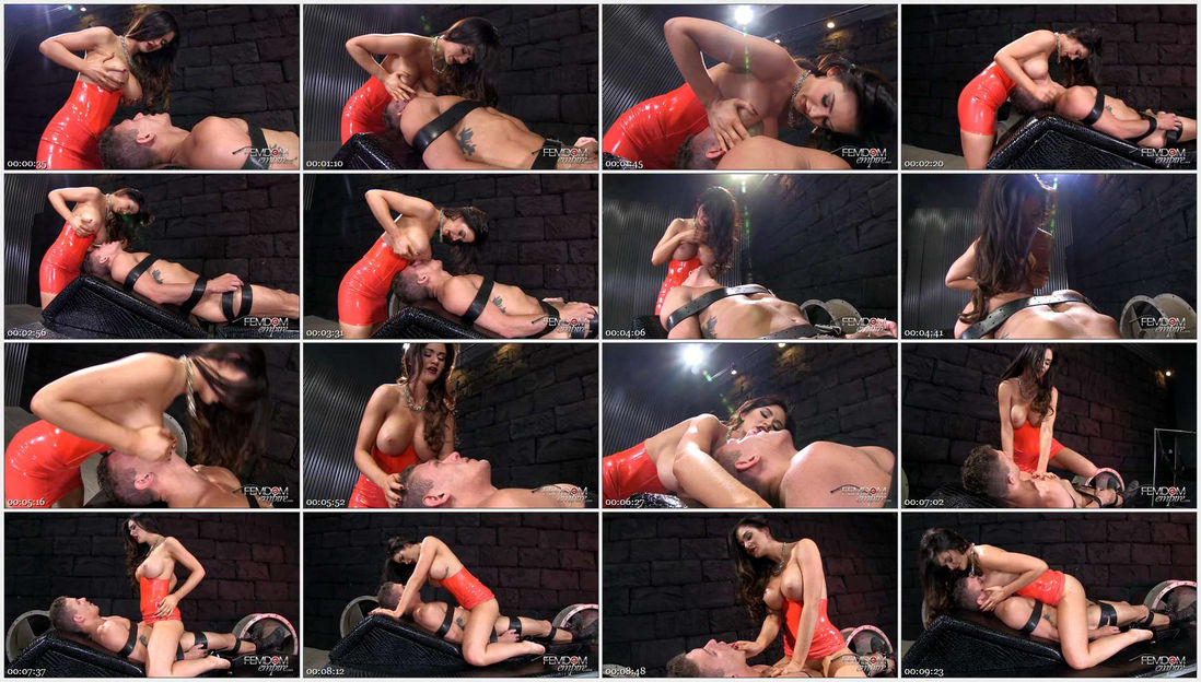 Kendall Karson – Busty Smother