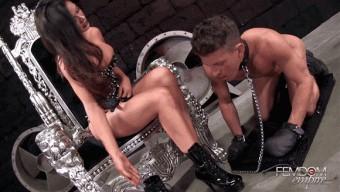 Kendall Karson – Stinky & Sweaty Footwipe