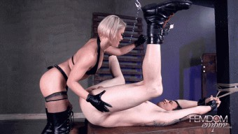 Ash Hollywood – Taking his ASS