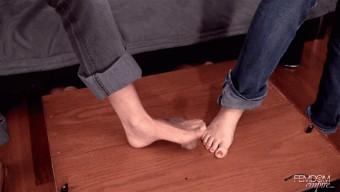 Deanna Storm – Lexi Sindel – Barefoot Ball Crushing