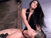 Jade Indica – Latex Pussy Worship