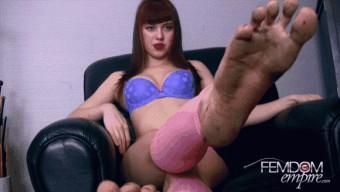 Lara Luxe – Dirty Foot Pervert POV