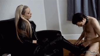 Lexi Sindel – leather Boot Masturbation
