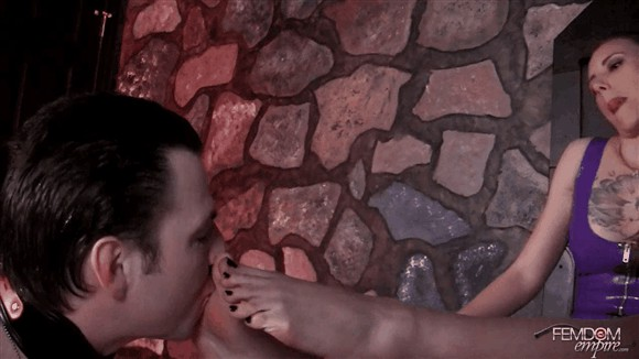 Mona Rogers – Nyx Blake – Groveling foot bitch_cover