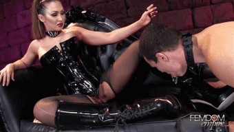 Yasmin Scott – Boot Polishing Bitch-Pet