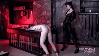 Victoria Sapphire – Caned for being a failure