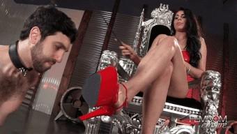 Jasmine Mendez – Mistress Jasmine\'s Foot Bitch