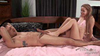 Lily Ford – Pink Bikini FootJob