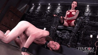 Marley Brinx – Daily slave duties