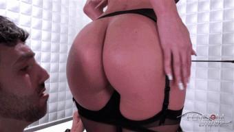 Riley Jenner – Kneel & Lick