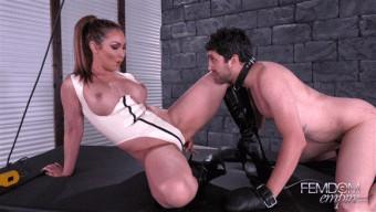 Yasmin Scott – Hung up on Pussy