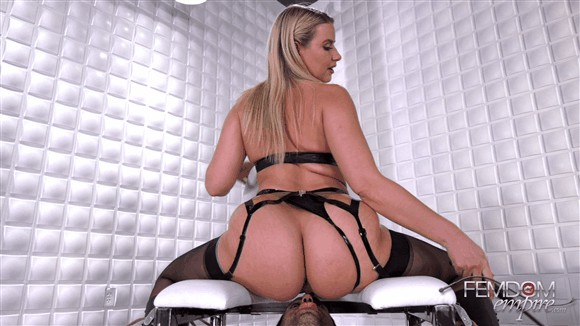 Anikka Albrite – I Want Ass_cover