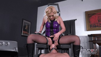 Summer Day – Locked Pussy Pleaser