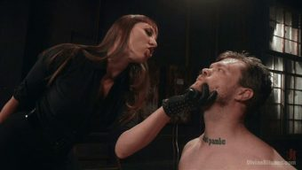 Mistress Kara – Mike Panic – Her Muscles, Her Pleasure 