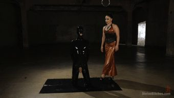 Lea Lexis – Tony Orlando – Latex Lea Torments Rubber Fuck Boy! 