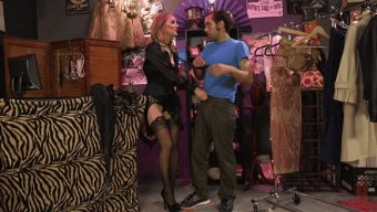 Mona Wales – DJ – Mona Wales Trains Her New Beta Bitch Boytoy 