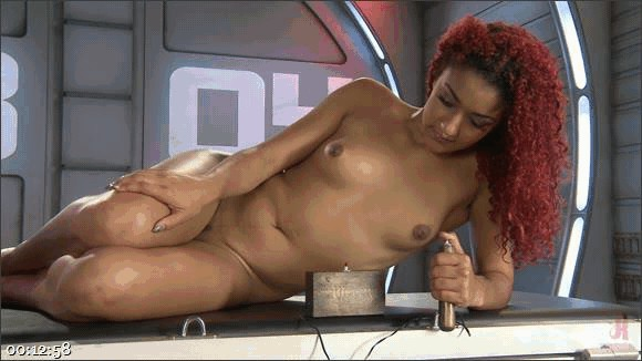 Danarama – Daisy Ducati – Mummification Bondage Play_cover