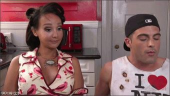 Lance Hart – Sunshyne Monroe – TS Hotty Sunshyne Monroe Drains Her Plumbers Throbbing Pipe