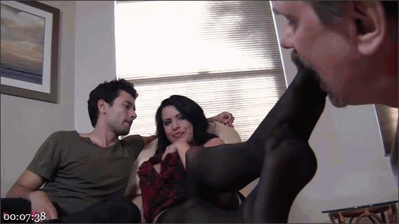 Gabriel Dalessandro – Baylee Lee – Johnny Cockring – Lacie James – Cock from both Ends – Humiliated Hubby's Feeding Time_cover