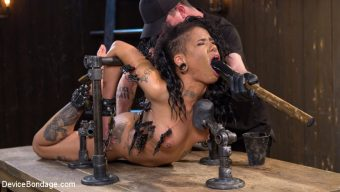 Jessica Creepshow – Alt Ebony Pain Slut Tormented and Made to Have Squirting Orgasms