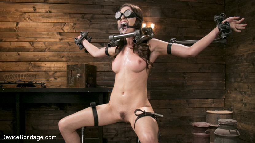 Melissa Moore – Newcomer Melissa Moore Submits to Screaming Bondage_cover