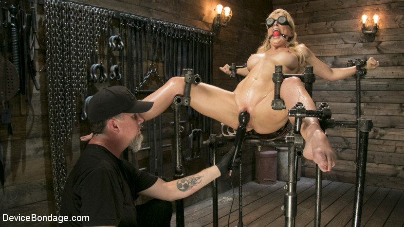 Cherie DeVille – Athletic MILF Fuck Toy Cherie Deville Punished in Bondage and Sybian!!_cover