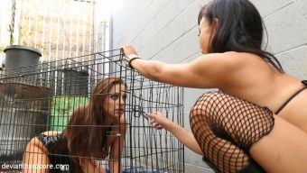 Annie Cruz – Girl Crushed: Annie Cruz, Abigail Mac