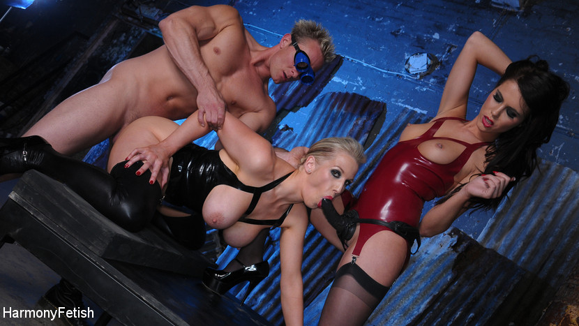 Rebecca More – Latex Dungeon_cover