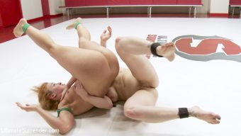Cheyenne Jewel – Cheyenne Jewel and Bella Rossi fight 100% competitive erotic wrestling