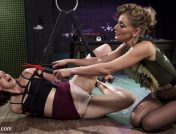 Mona Wales – Pain Slut Pushed to Limits by Electro Latex Dominatrix