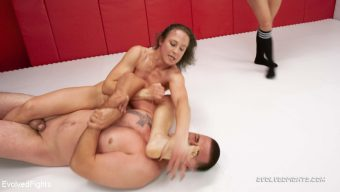 Cheyenne Jewel – Female Clobbers her Boyfriend in Competitive Mixed Wrestling