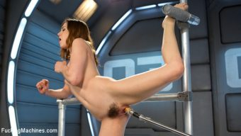 Kasey Warner – Flexible 19 Year Old Gets Machine Fucked