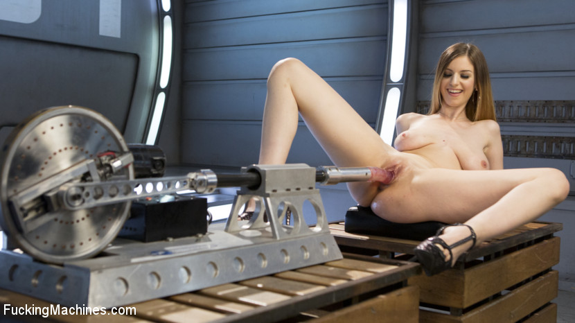 Stella Cox – All Natural European Bombshell Gets Machine Fucked in the Ass!!_cover