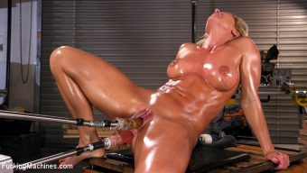 Ariel X – Ariel X Double Penetrated and Squirting Everywhere