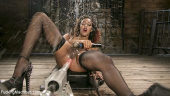 Daisy Ducati – Ebony Squirt Queen Daisy Ducati Gets Royal Fucking Machines Treatment!
