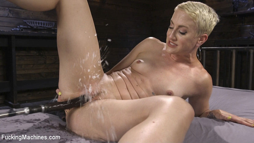 Dylan Ryan – Squirting Screaming Orgasms and Anal Machine Fucking_cover