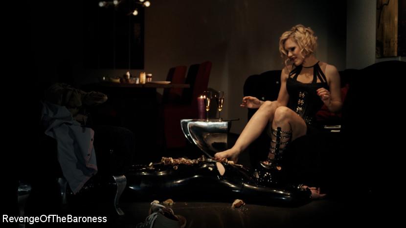 Baroness Davina Dust – Ep 3 – Bizarre dinner date: Dominant sploshing_cover
