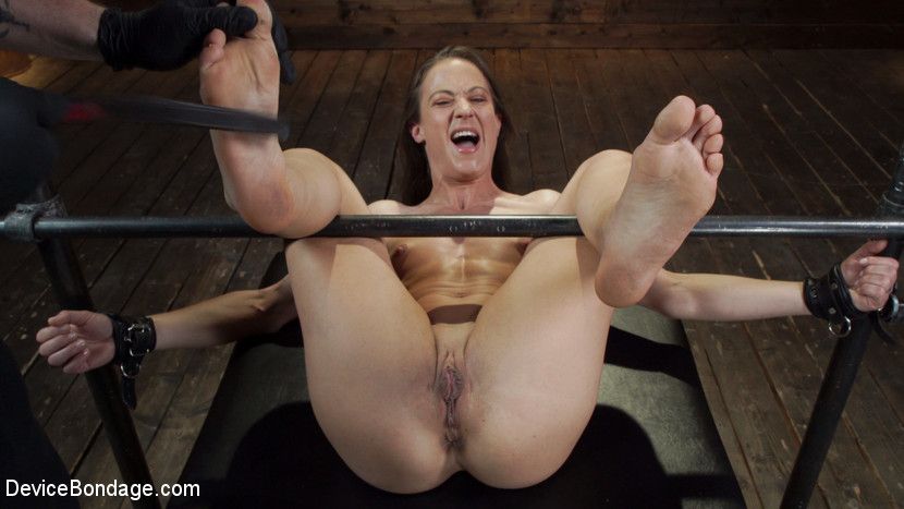 Cheyenne Jewel – Cheyenne Jewel: Body Builder is Restrained in Diabolical Devices_cover