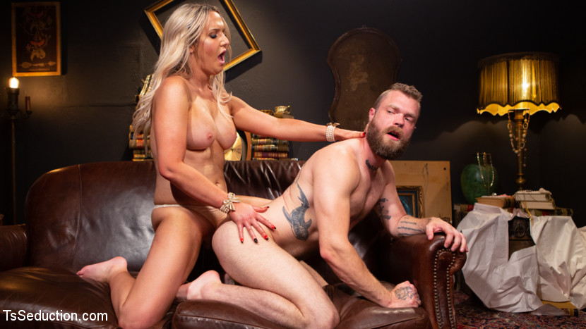 Kayleigh Coxx – Time To Play: Kayleigh Coxx Brings Mike Panic to Life For Kinky Fun_cover